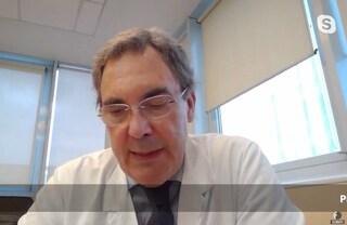 """Il virologo Clementi: """"Il virus non è mutato ma ha perso virulenza, lo confermano i dati clinici"""""""