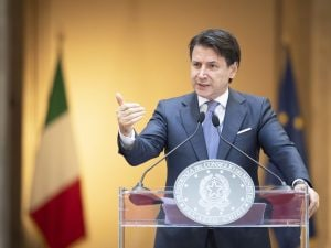 Sondaggi politici Conte alla guida M5S primo partito davanti alla Lega Matteo Salvini