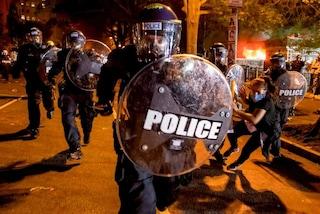 Caso George Floyd, dilagano le proteste in tutti gli USA: tre morti negli scontri