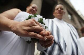 Il padre della sposa è positivo al Coronavirus: 76 invitati alle nozze contagiati e un morto
