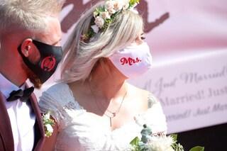 Coronavirus, dalla Cei nuove regole per i matrimoni: stop all'obbligo di mascherina per gli sposi