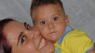 Leonardo ammazzato di botte a 19 mesi: mamma e patrigno a processo per omicidio