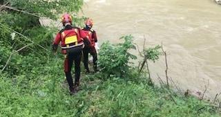 Si tuffa nel fiume Elsa durante giornata con gli amici: 17enne muore trascinato dalla corrente