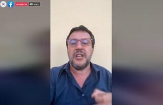 """Salvini contestato a Mondragone: """"Il posto di quei delinquenti non è la piazza, ma la galera"""""""