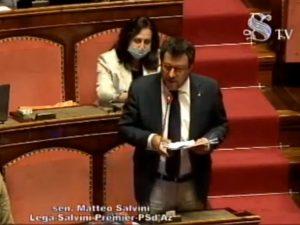 """Salvini attacca Conte Senato Torni agli aperitivi villa aspettiamo Parlamento"""""""