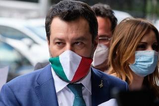 """Elezioni, Salvini apre alla proposta di Zingaretti: """"Seggi fuori dalle scuole? Basta che si voti"""""""