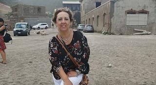 Sardegna. Cade dalla scogliera, volo di 20 metri: morta sul colpo sotto gli occhi di marito e figlio