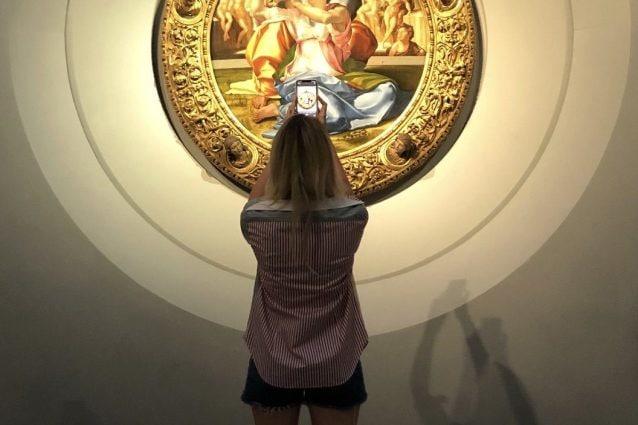 Chiara Ferragni e il Tondo Doni di Michelangelo