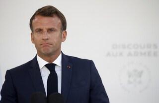 """La resa di Macron: """"Non sono riuscito a unire la Francia"""""""