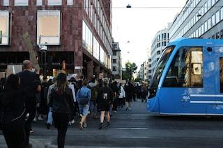"""Nella Svezia senza lockdown boom di morti Covid e danni all'economia: """"Sacrificio umano inutile"""""""
