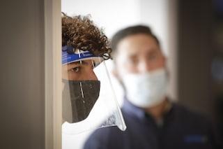L'età dei contagiati da Coronavirus scende ancora: 6 su 10 hanno meno di 50 anni