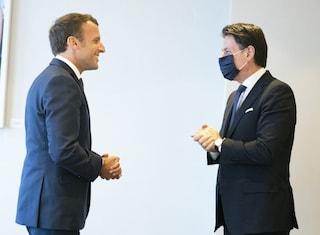 """Conte incontra Macron: """"Siamo pronti per il Consiglio Ue di domani. Posta in gioco è l'Europa"""""""