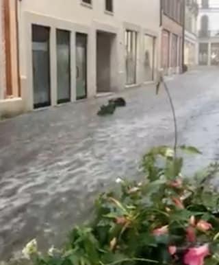 Maltempo Vicenza, temporali, vento e grandine: strade come fiumi a Schio