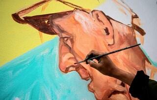 Perù, street artist realizza i murales delle vittime del Coronavirus nel suo quartiere
