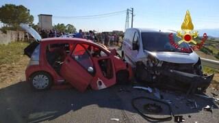 Incidente Crotone, auto contro furgone: Rita muore a 56 anni, ferite le amiche che erano con lei