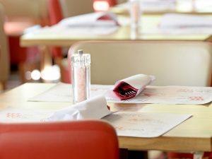 Treviso, prenotano per trenta in una noto ristorante e poi non si presentano: scatta la denuncia