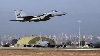 """F15 Usa spaventa aereo iraniano: """"Rischio disastro, ci sono feriti"""". Gli Stati Uniti negano"""