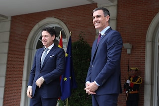"""Conte incontra Sanchez: """"Mes? Deciderà il Parlamento, ma prima deve arrivare Recovery Fund a luglio"""""""