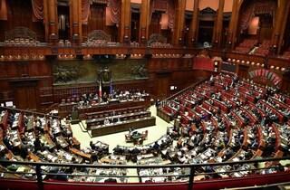 Coronavirus, cinque deputati e un presentatore hanno intascato il bonus da 600 euro