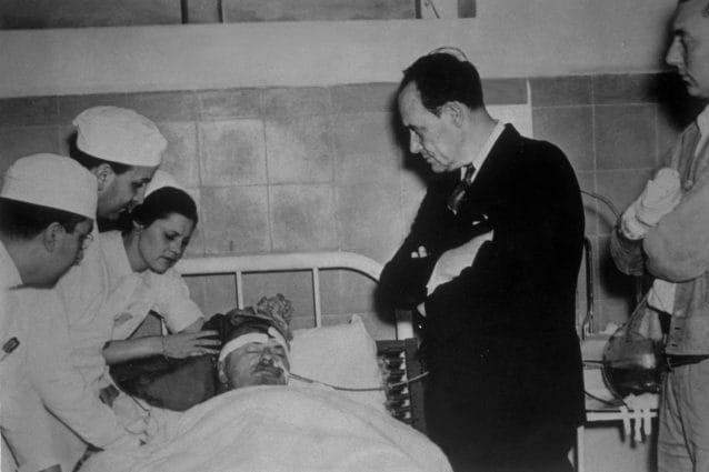 Trotsky sul letto di morte nel 1940