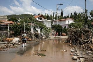 Tempesta spazza via l'isola di Eubea: in Grecia 8 morti per le inondazioni, anche bimbo di 8 mesi