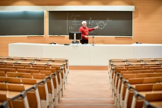 Università, a settembre si torna in aula: l'annuncio della ministra Messa