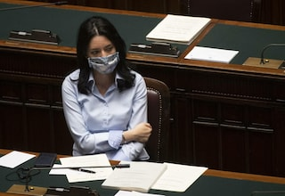 """Concorso scuola, Azzolina accerchiata. Dal Pd a Salvini: """"Va rinviato"""""""