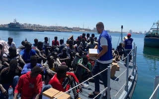 Migranti, in quindici si allontanano dall'hotspot di Pozzallo