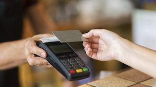 Da dicembre arriva il cashback con l'app Io: come funzionano i rimborsi per 10 acquisti con carta