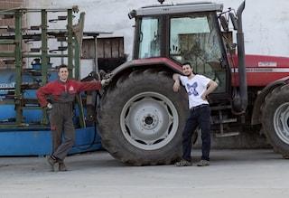 Cuneo, incidente sul lavoro a Cavallermaggiore: cadono nel silos, 22enne muore, ferito il fratello