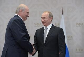Putin si è comprato la Bielorussia e l'ha pagata 1,5 miliardi di dollari (più il vaccino)