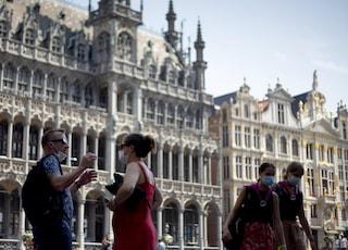 In Belgio nuove restrizioni anti-Covid: locali chiusi la sera e coprifuoco da mezzanotte