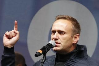 Alexey Navalny è uscito dal coma: le condizioni dell'oppositore russo migliorano
