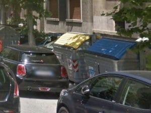 Nuovo codice della strada, gli spazzini potranno multare chi sosta davanti ai cassonetti