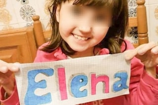 """Elena a 14 anni è affetta da una malattia rara: """"Solo 10 persone come lei nel mondo, aiutateci"""""""