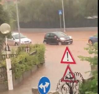 Nubifragio Cagliari, bomba d'acqua allaga le strade: disagi in tutta la Sardegna