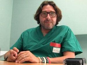 Bari, il dottore che prescrive cannabis gratuitamente a 200 pazienti al mese