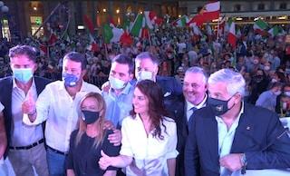 Per Salvini una sera da moderato. E la Lega per prendersi la Toscana non parla di migranti