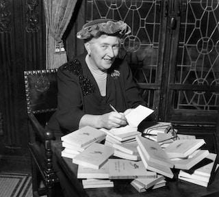 I 130 anni di Agata Christie, la scrittrice inglese più letta dopo Shakespeare