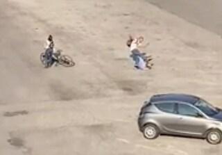 Vicenza, interviene per sedare una lite tra fidanzati: anziano preso a calci e pugni
