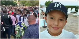 Lacrime e rabbia ai funerali del piccolo Andrea, ucciso dal padre con un colpo di pistola