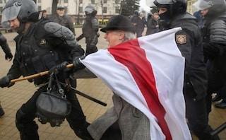 Bielorussia, in centinaia arrestate alla marcia delle donne contro Lukashenko