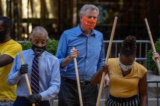 New York senza soldi causa Covid, il sindaco De Blasio e il suo staff senza stipendio