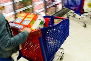 Contagiato nel Focolaio Covid a Polignano va a fare la spesa al supermercato: denunciato