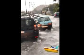 Nubifragio a Catania, bomba d'acqua sull'intera provincia: allagamenti e persone bloccate in auto