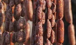 """Salame ritirato dal commercio: rischio salmonella. L'allerta del Ministero: """"Non mangiatelo"""""""