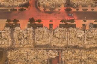 """Emergenza incendi negli Usa, i morti sono più di 30: per Biden è """"colpa del cambiamento climatico"""""""
