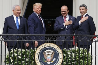 """Medio Oriente, accordo tra Israele ed Emirati: """"Patto contro l'Iran, il vero nemico comune"""""""