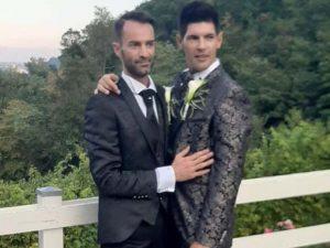 """Marco e Denis in viaggio di nozze nel resort di lusso: """"Lo chef ci ha disegnato un pene sul piatto"""""""
