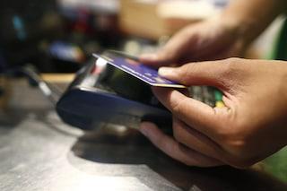 Cashback di Natale, il governo pensa a rimborsi fino a 150 euro: come funziona e come ottenerlo